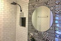 Wonderful shower with this rainwater shower head!