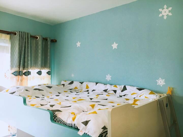 美林湖温泉渡假小区、摩天轮、长隆国际森林渡假区,轻轨旁欧式超大一房整租