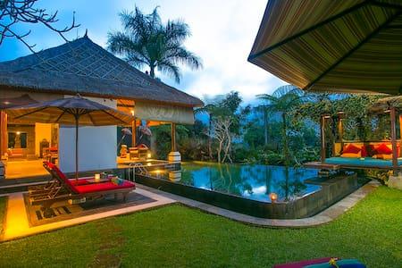 Villa Near Ubud - Kayla Bali Villa - Gianyar - Vila