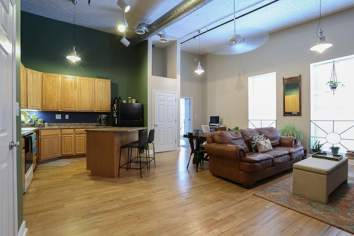 Madison Loft | Main Street | Downtown