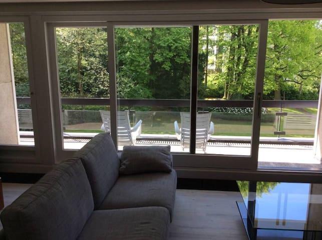 Superbe flat dans un parc privé - Uccle - Apartment