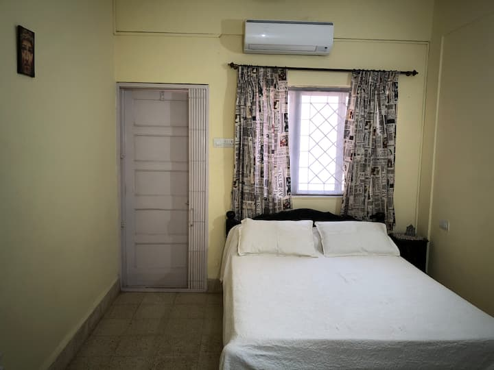 IDEALLY LOCATED 1 BHK APARTMENT NR BAGA, CALANGUTE