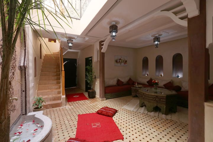 Lovely room in luxury Riad