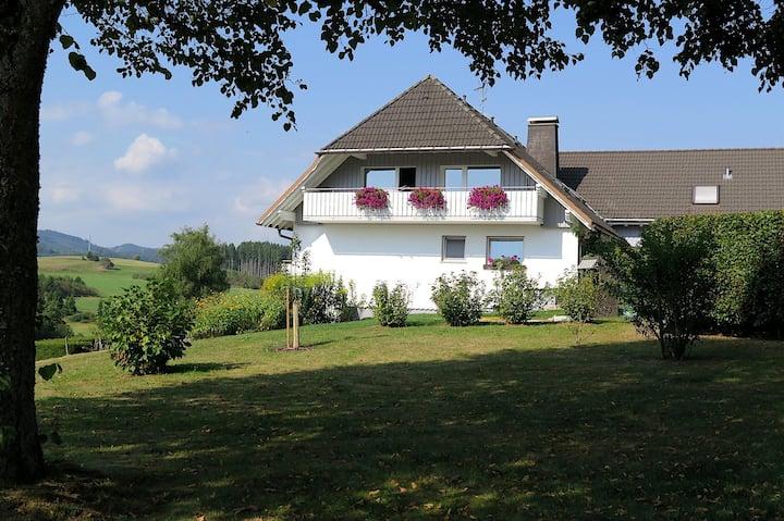 Haus Intlekofer, (Lenzkirch-Kappel), Ferienwohnung Hochfirst, 57qm, 2 Schlafzimmer, max. 2 Erwachsene und 2 Kinder