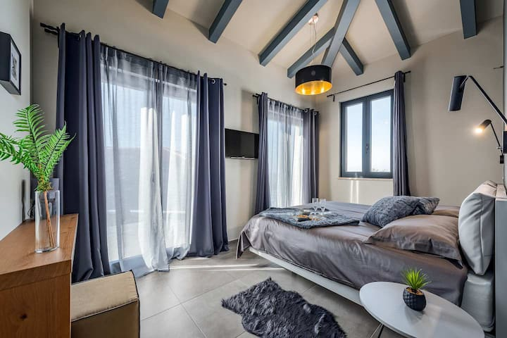 Bedroom with double size bed