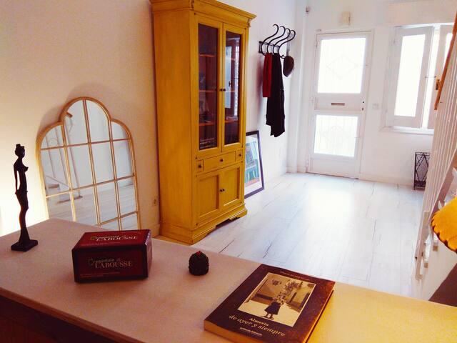 Casa Abá, precioso alojamiento recién reformado en el centro de la capital de Almería.