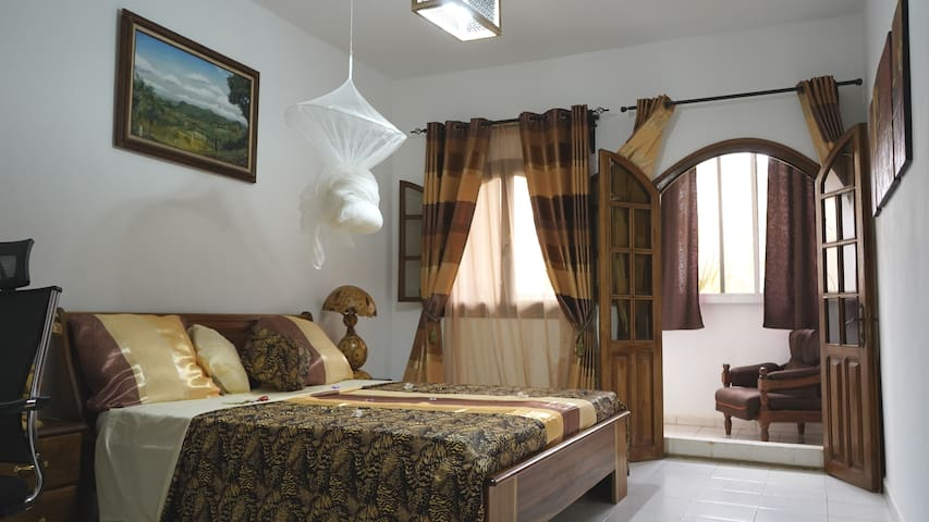 Private suit with balcony - La Casa Mama
