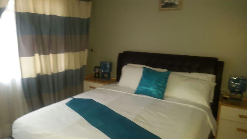 Room 3 : Tintech Bed & Breakfast