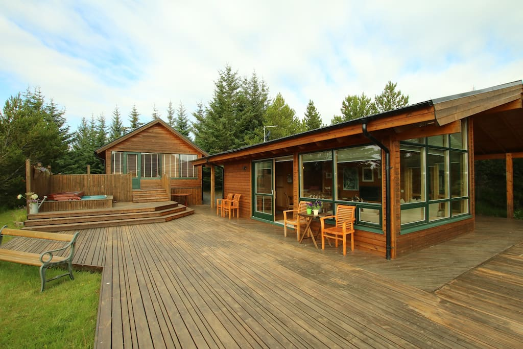 Overview of both of the cabins!