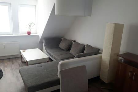 Altbau-Dachgeschosswohnung 50 qm - Ribnitz-Damgarten