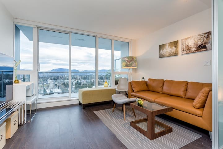 Stylish Brand NEW VIEW one bedroom - Surrey - Apartament