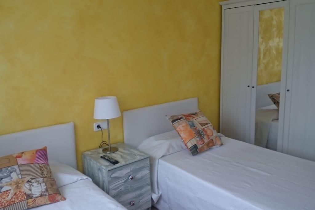Dormitorio 2 camas individual