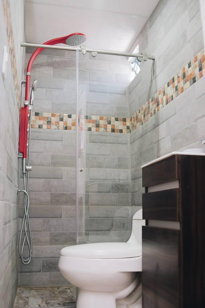 habitacion # 4, con baño privado