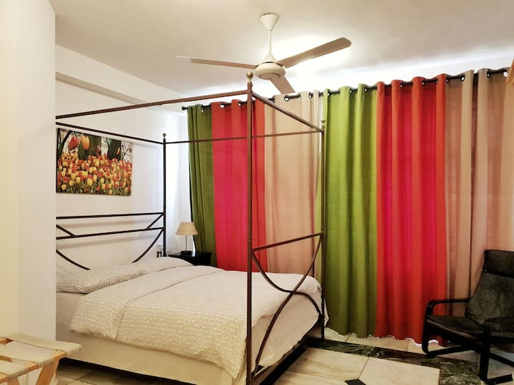 Luxury Room with bathroom  - Colombo 4