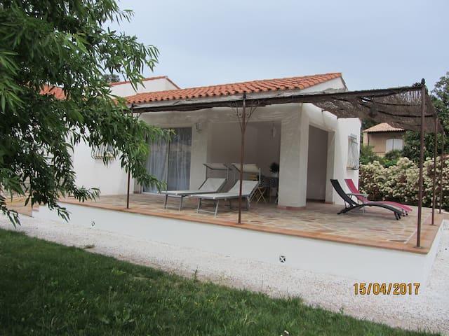 Studio Indépendant, Piscine, proche Mer - Gémenos - Hospedaria