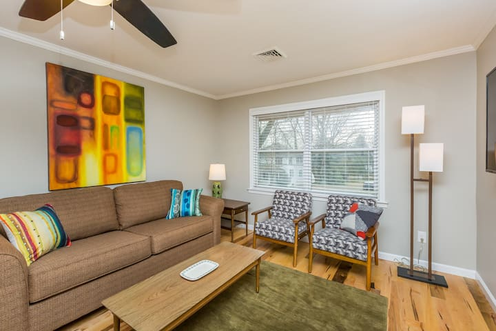 Luxurious 1BR Located Near Downtown & Hospital