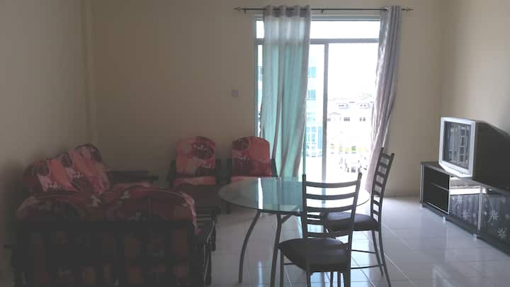 Clean & Cosy Family Apartment for Short/Long Stay