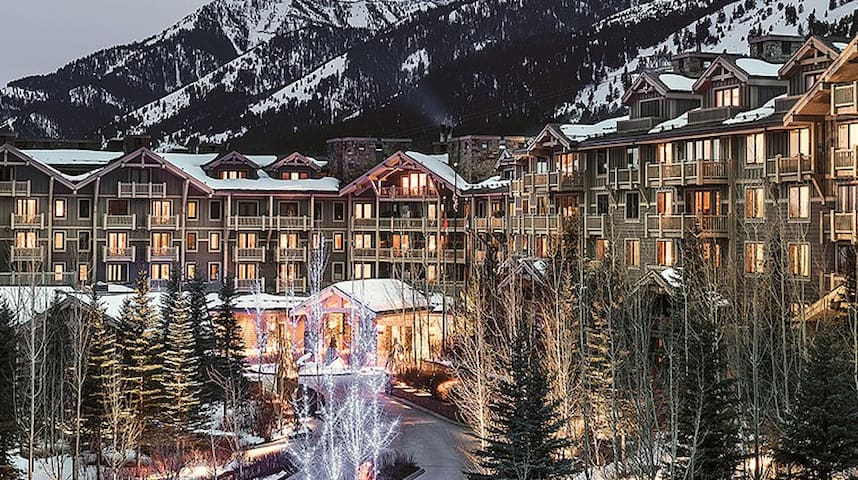Four Seasons Jackson Hole 2BD/2.5BA New Years 2021