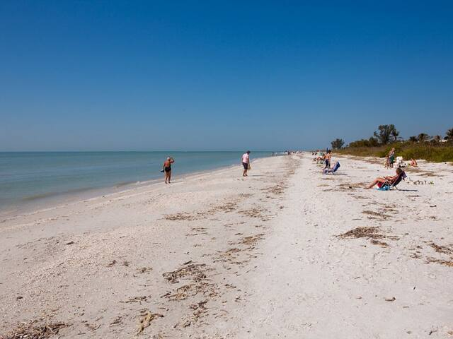 Sanibel Island beach view condo