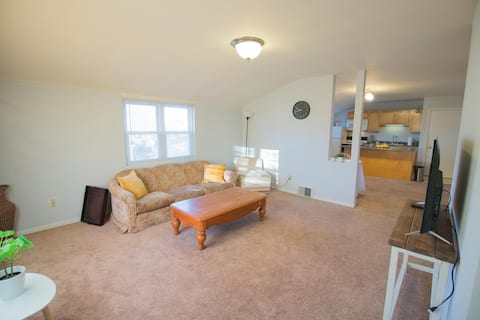 Spacious yet cozy 2 Br 1 Ba Townhouse in Old North