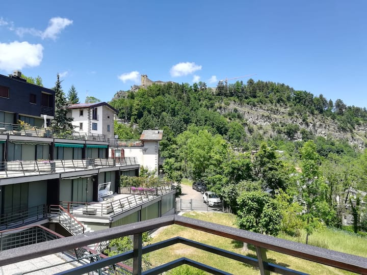 Appartamento con ampio terrazzo in centro Sestola