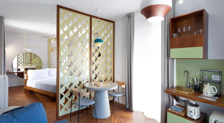 Mina, appartamento di design in centro storico.