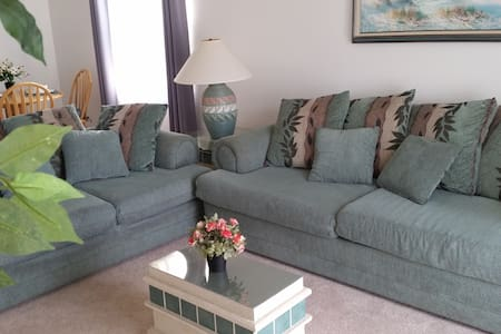 Beach-side Comfy, Fully Furnished! - Indialantic - Lakás