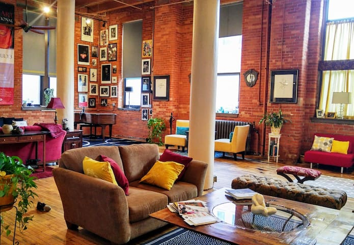 Beautiful downtown loft living and meeting space