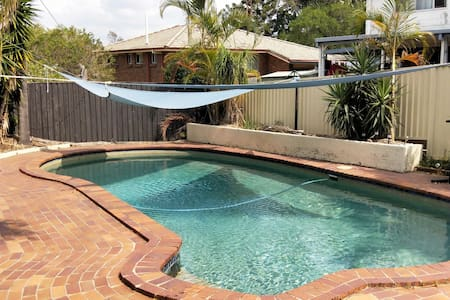 3bedroom*swimming pool*. Great for families