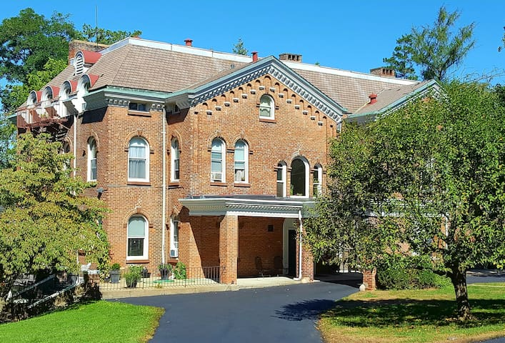 Prime Location in Historic Hudson Valley - Irvington - Leilighet