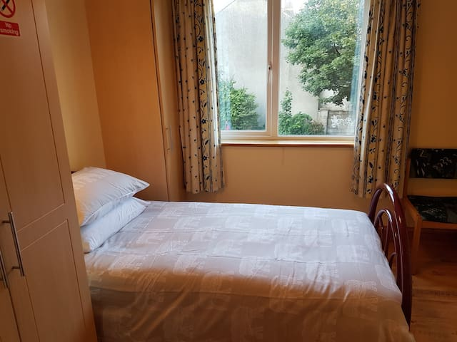 Single room in Galway City.  Bed No 3
