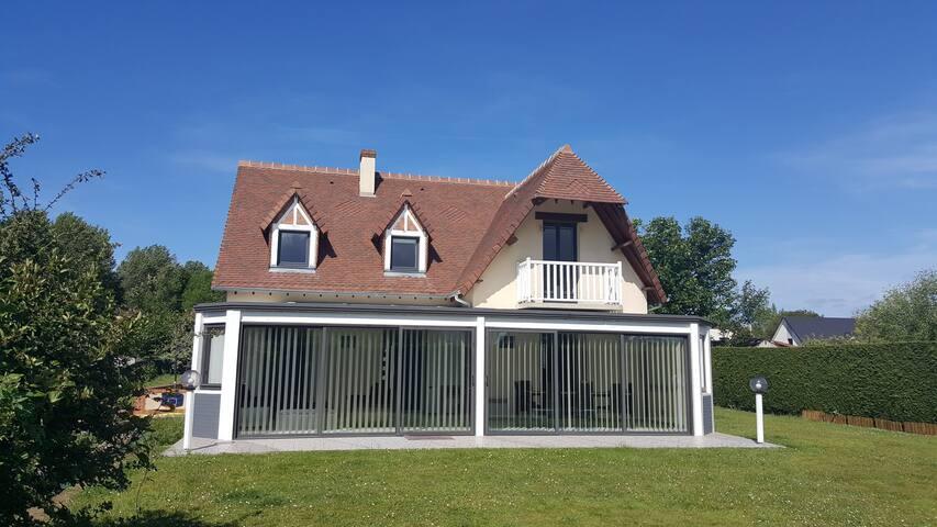 Maison 160m² piscine couverte à Dieppe pour 10 p.