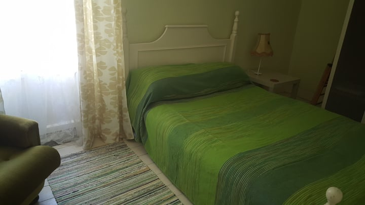 Tara room in the Yellow house - Double bed
