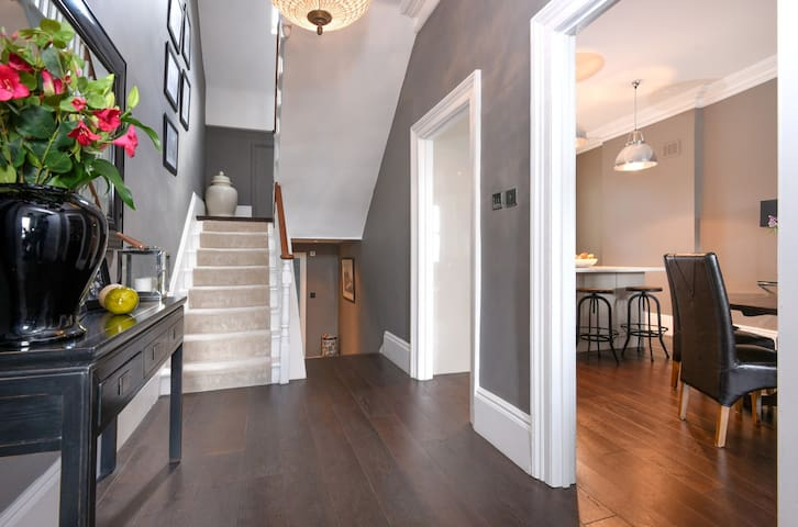 HUGE 2 bed flat with 2 bathrooms - London - Wohnung