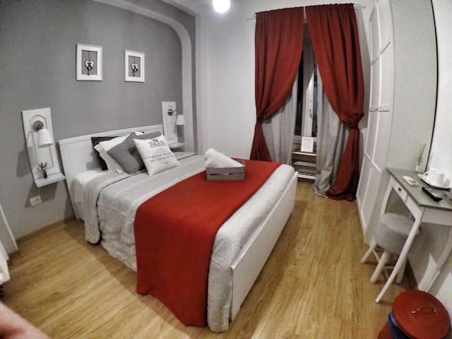 TuttoTondo Room-1