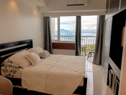 Sky Home Serene and Blissful Place with Taal View