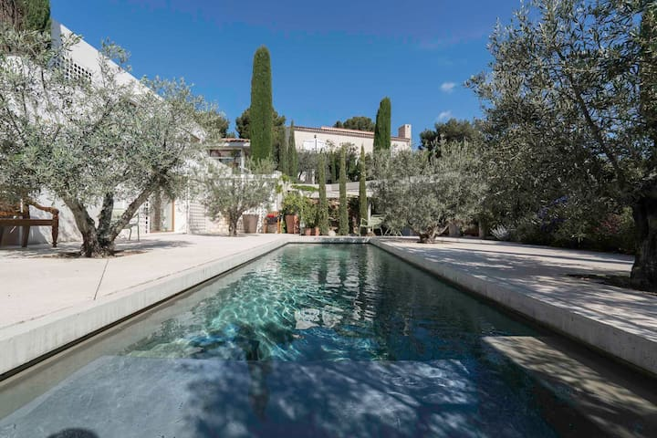 Bed & Breakfast with Pool in Cassis