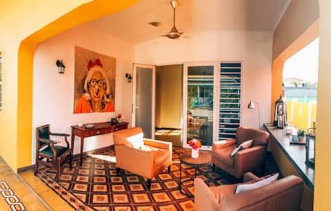 Casa Lina 4 - Modern Vintage Oasis