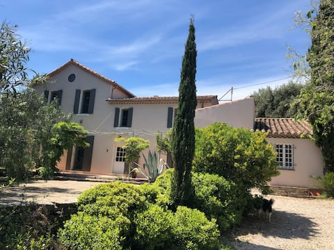 """Flat in a """"bastide"""" in the national parc"""