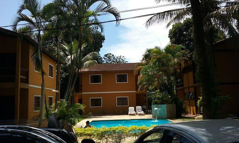 Apto Condomínio Boiçucanga Litoral São Sebastião - São Sebastião - Apartamento