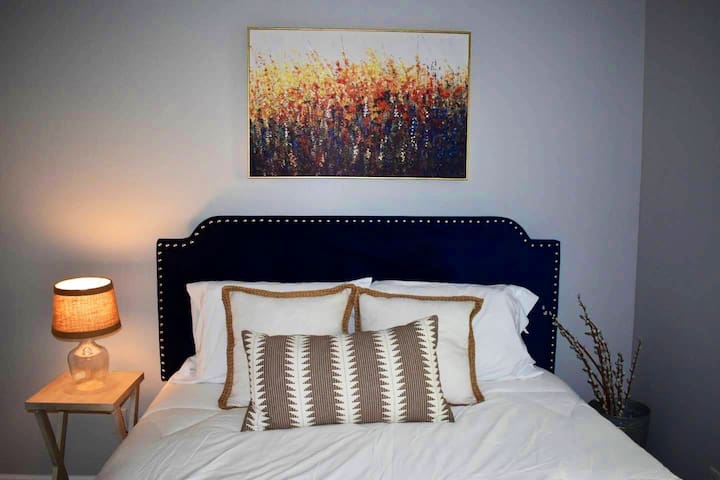 two miles from downtown Nashville comfy bedroom #1