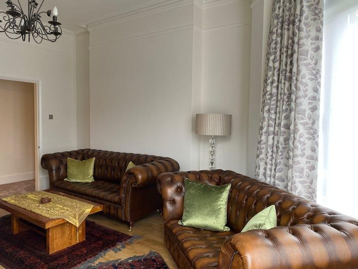 Luxurious period 2 bedroom flat in Datchet