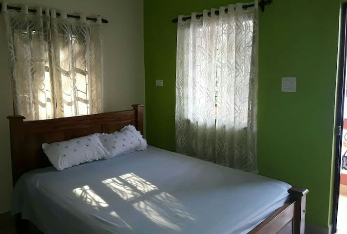 Mansao De Gomes.1 bedroom,perfect for long weekend