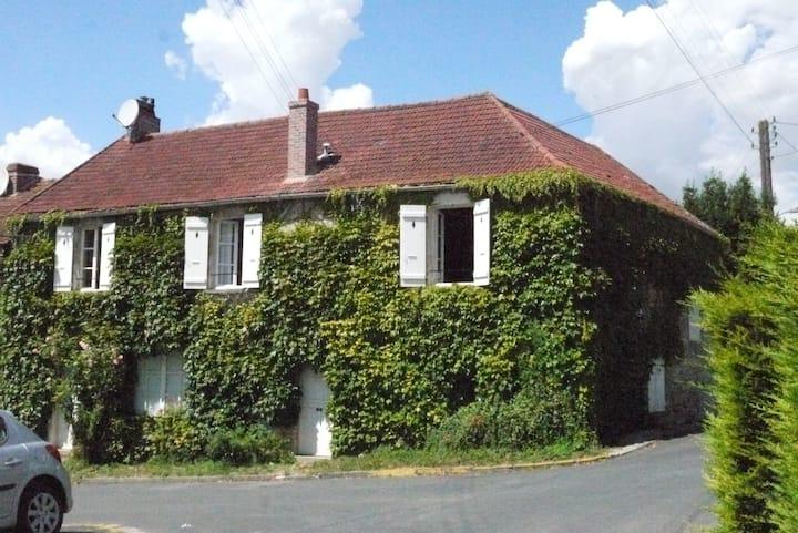 Maison de village près de Versailles, Thoiry