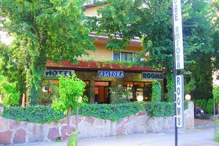 Hotel Amfora  no.132 - Dimitrovgrad - Bed & Breakfast