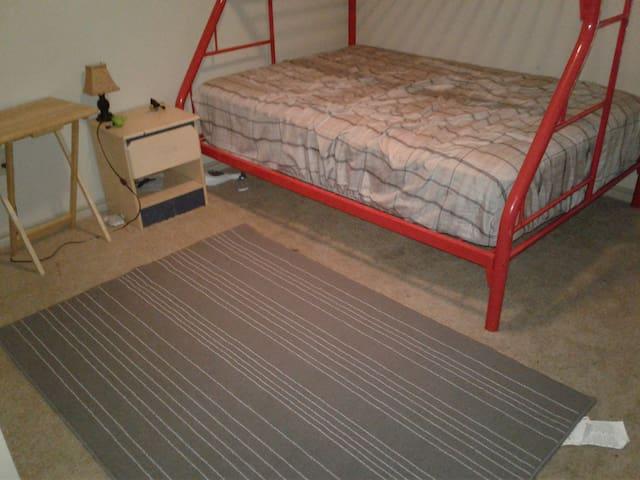 Clean single room/bath - Round Rock - Huoneisto