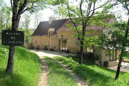 La maison de l'Albine - Coux-et-Bigaroque - Hus