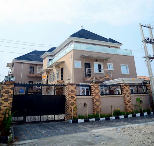 Deuces Court Apartments, Lekki, Lagos - Lagos - Daire