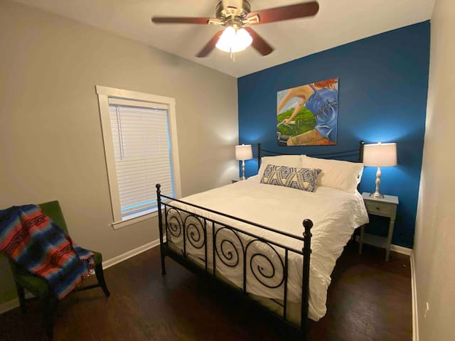 This bedroom has a new very comfortable queen bed, new super soft sheets and lots of closet space. Great place to sleep after a fun day in Taylor!