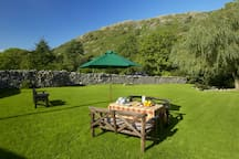 Enjoy breakfast or afternoon tea in our riverside paddock